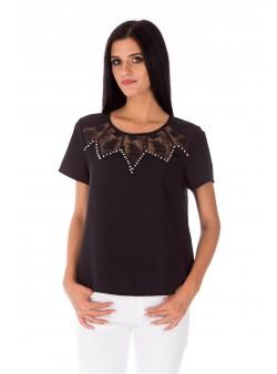 Bluză neagră cu accesorii metalice