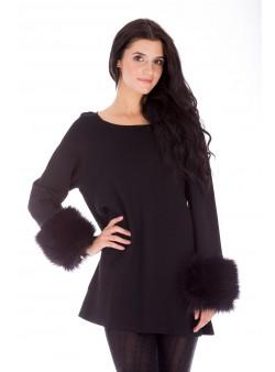 Pulover negru cu manșete cu blană