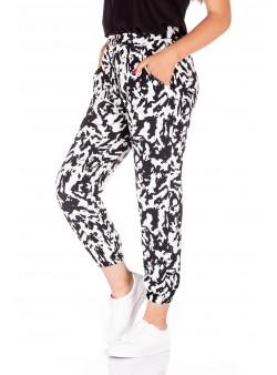 Pantaloni cu print alb-negru