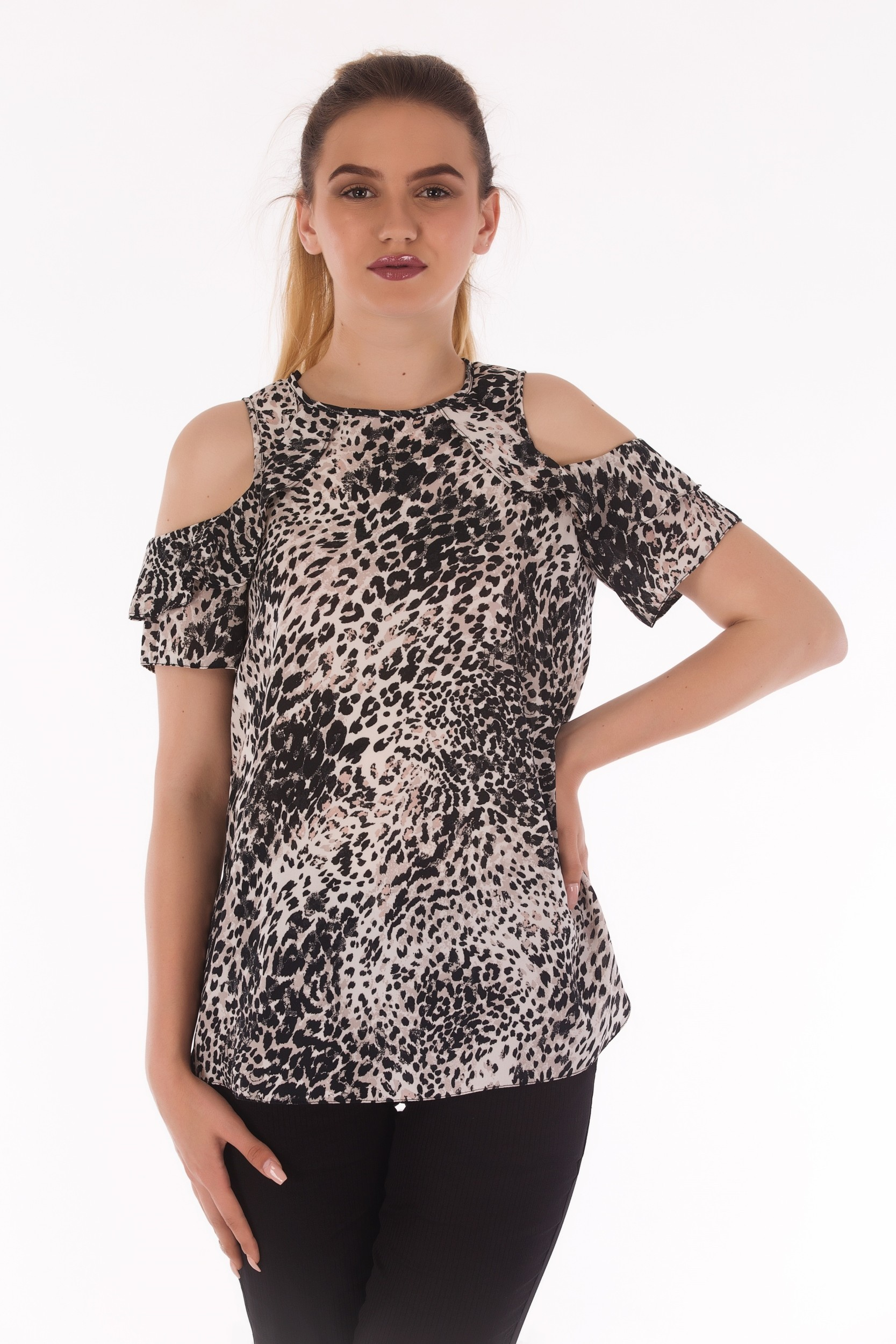 Bluza animal print cu umeri decupati