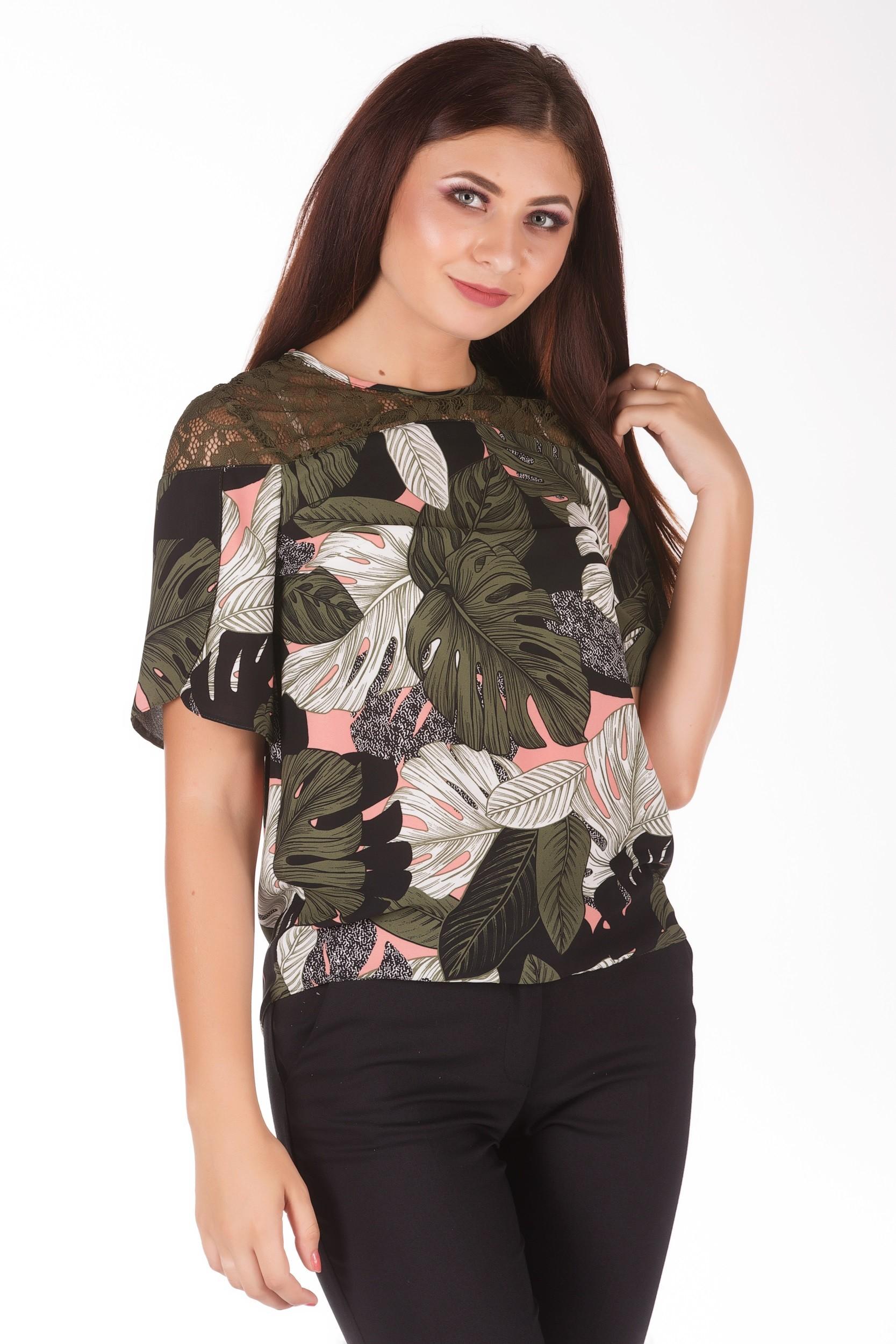 Bluza cu imprimeu floral si platca din dantela