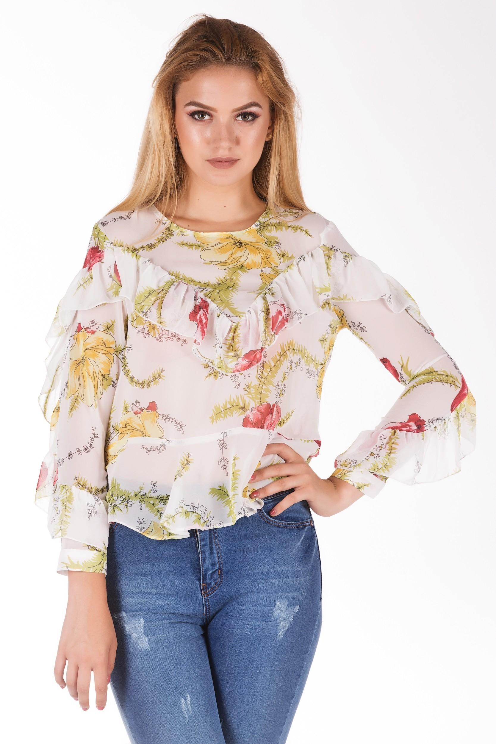 Bluza cu imprimeu floral si volane