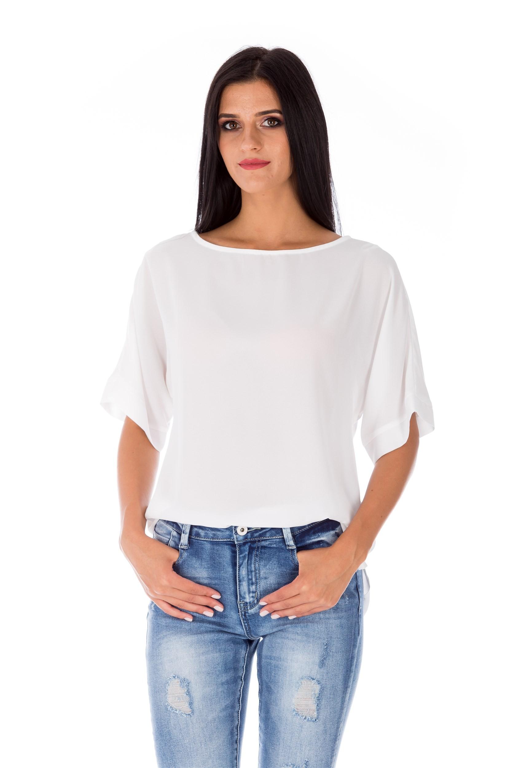 Bluză albă cu mâneci dolman