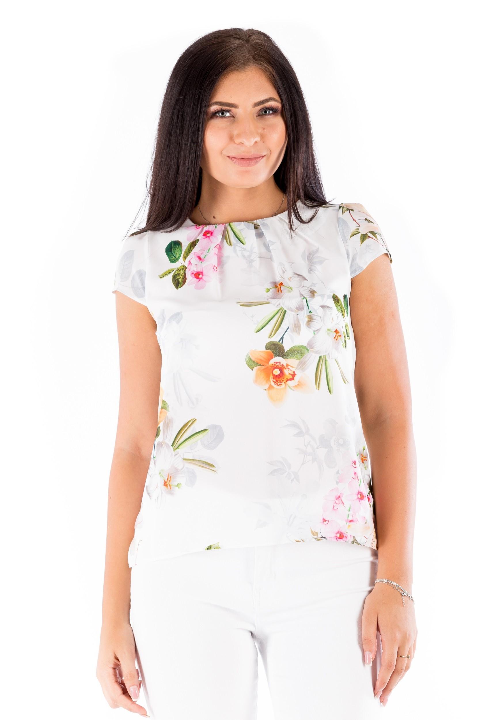 Bluză albă cu imprimeu floral și fronseuri