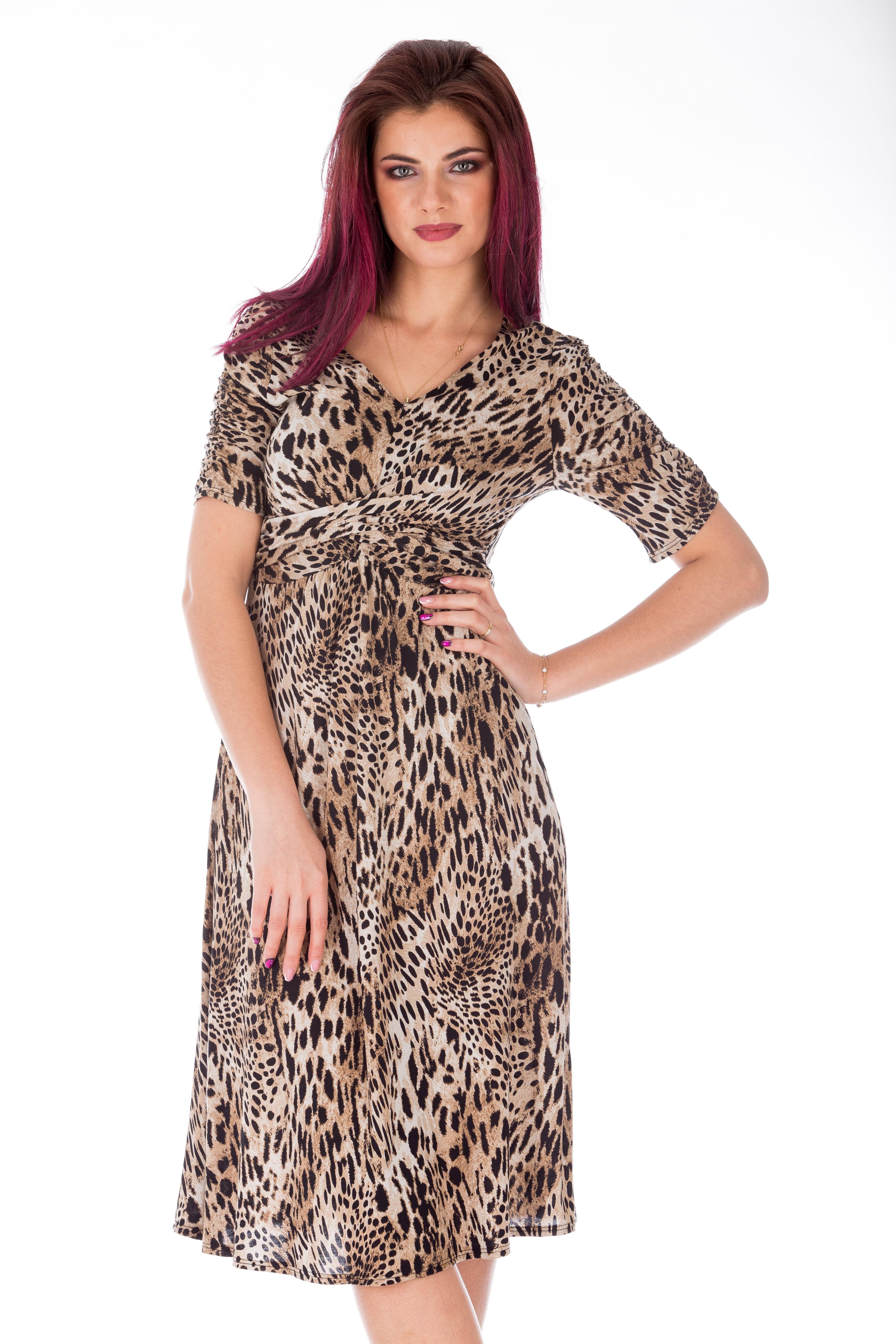 Rochie vintage clos cu print jaguar