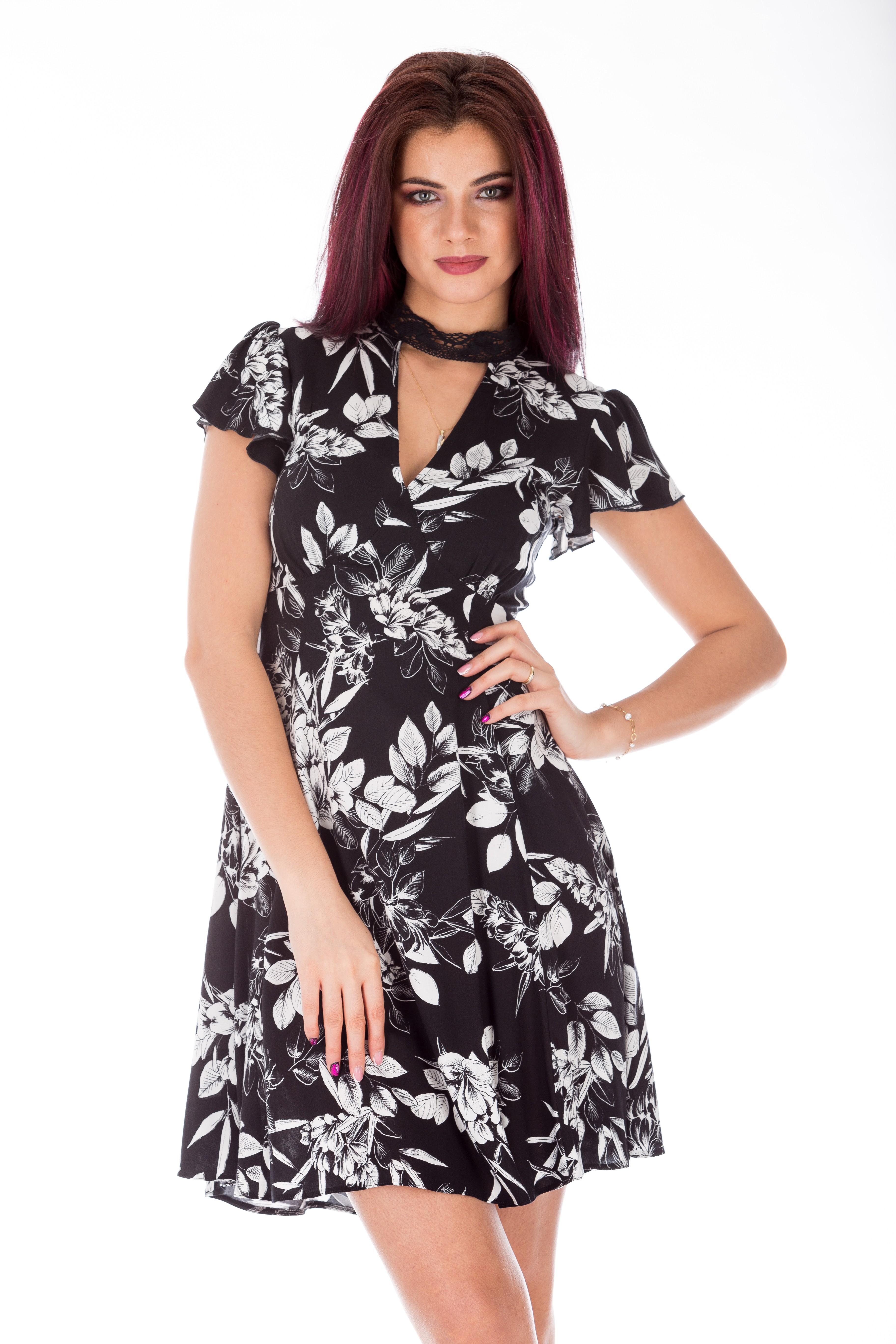 Rochie casual in clos si print alb-negru