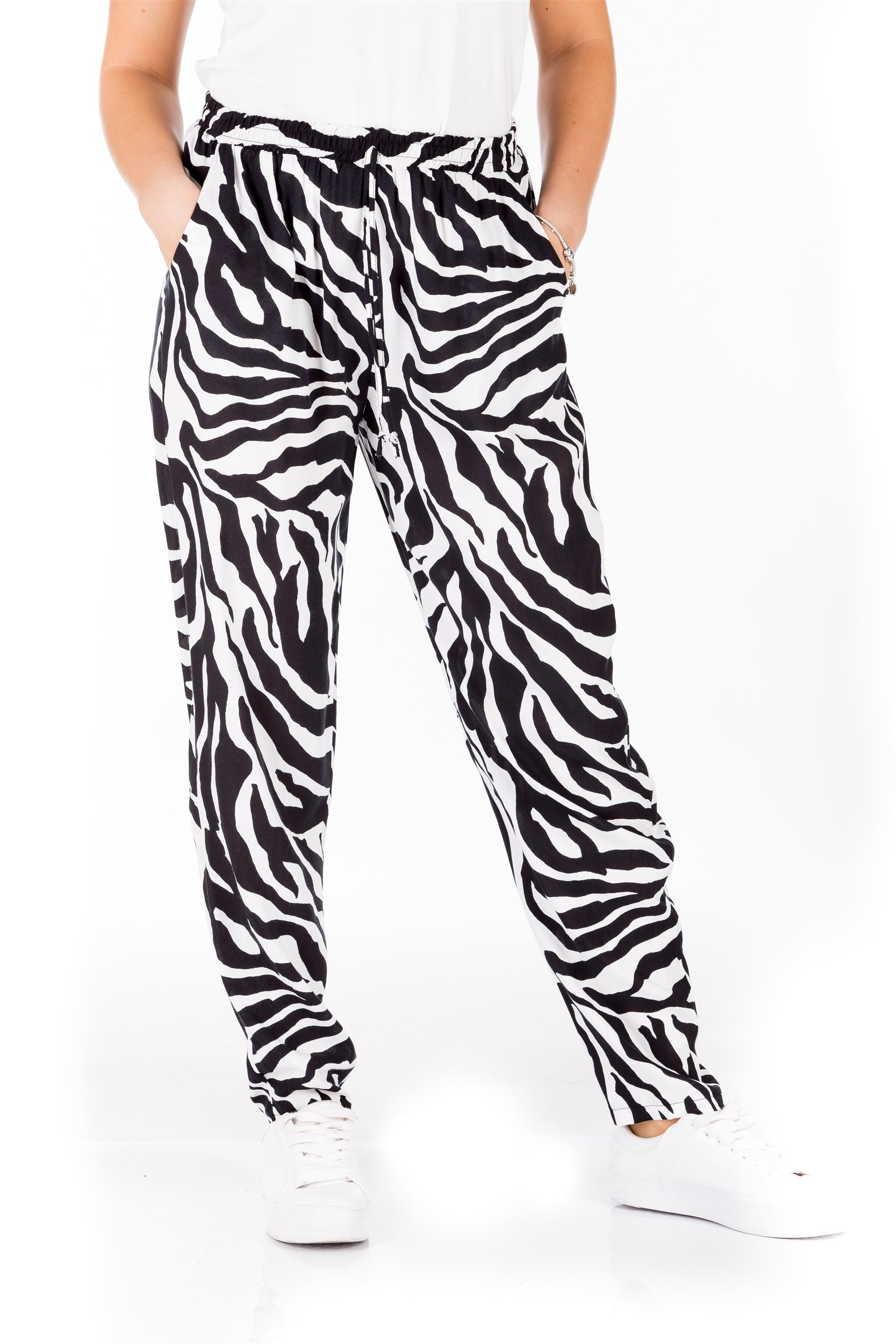 Pantaloni cu imprimeu alb-negru