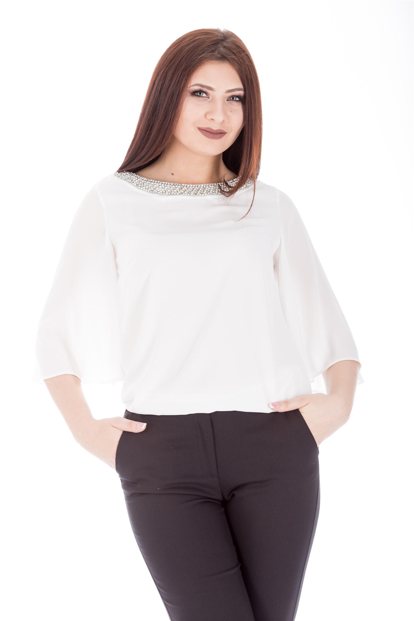 Bluza stilizata cu perle si pietre