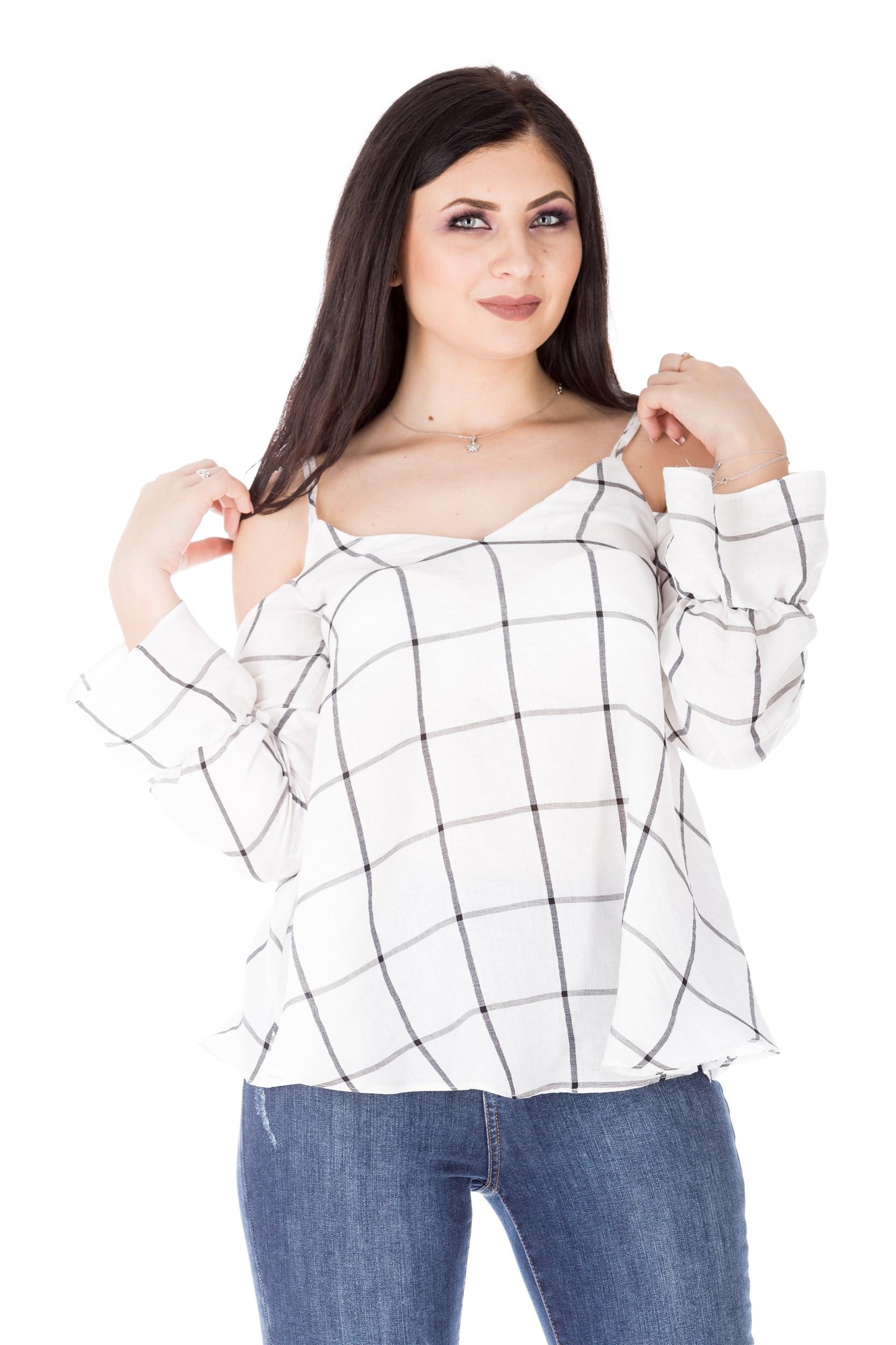 Bluza bicromatica cu umerii decupati